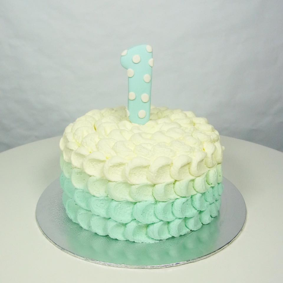 Ombre Petal Smash Cake Corine And Cake
