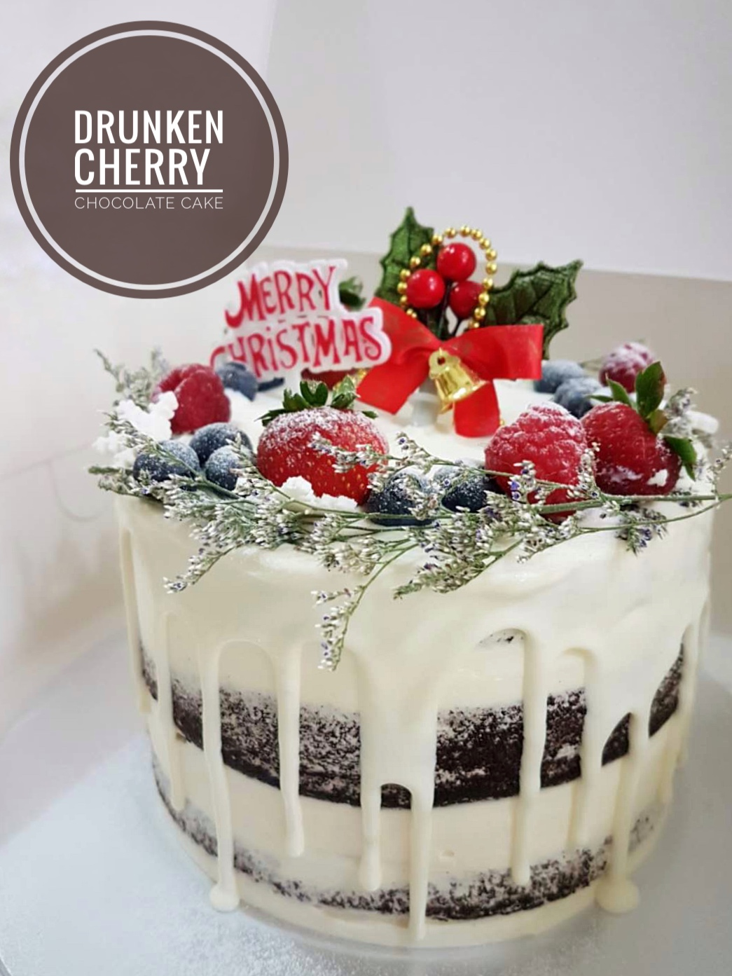 Christmas Special Cake Images : *Christmas Special* Drunken Cherry Chocolate Cake   Corine ...