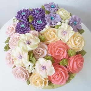 Blooming flower buttercream cake