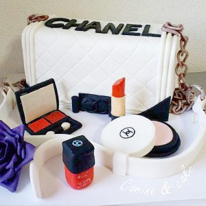 Channel bag couture cake