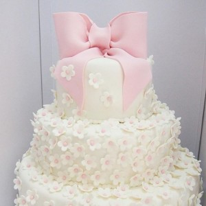 3 tiers flower Ribbon cake