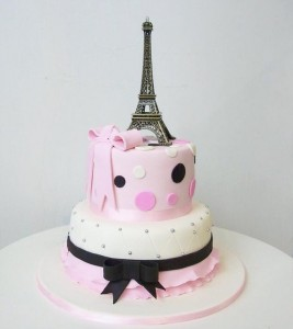 Eiffel Tower pink & black cake