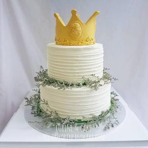Crown with flower wreath cake